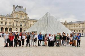 3 Die Pyramide du Louvre