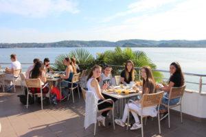 Kroatien 2016 01 Frühstück mit Blick aufs Mittelmeer